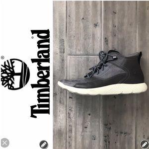 NWT Timberland Two Tone Chukka Boot